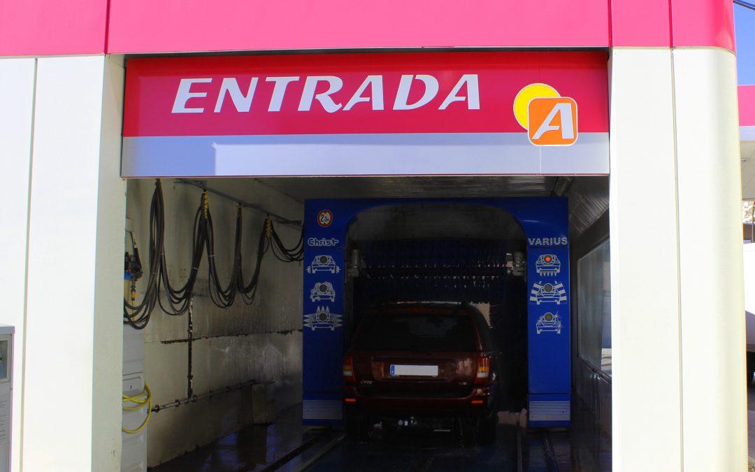 Ventajas de lavar tu coche en el servicio de autolavado